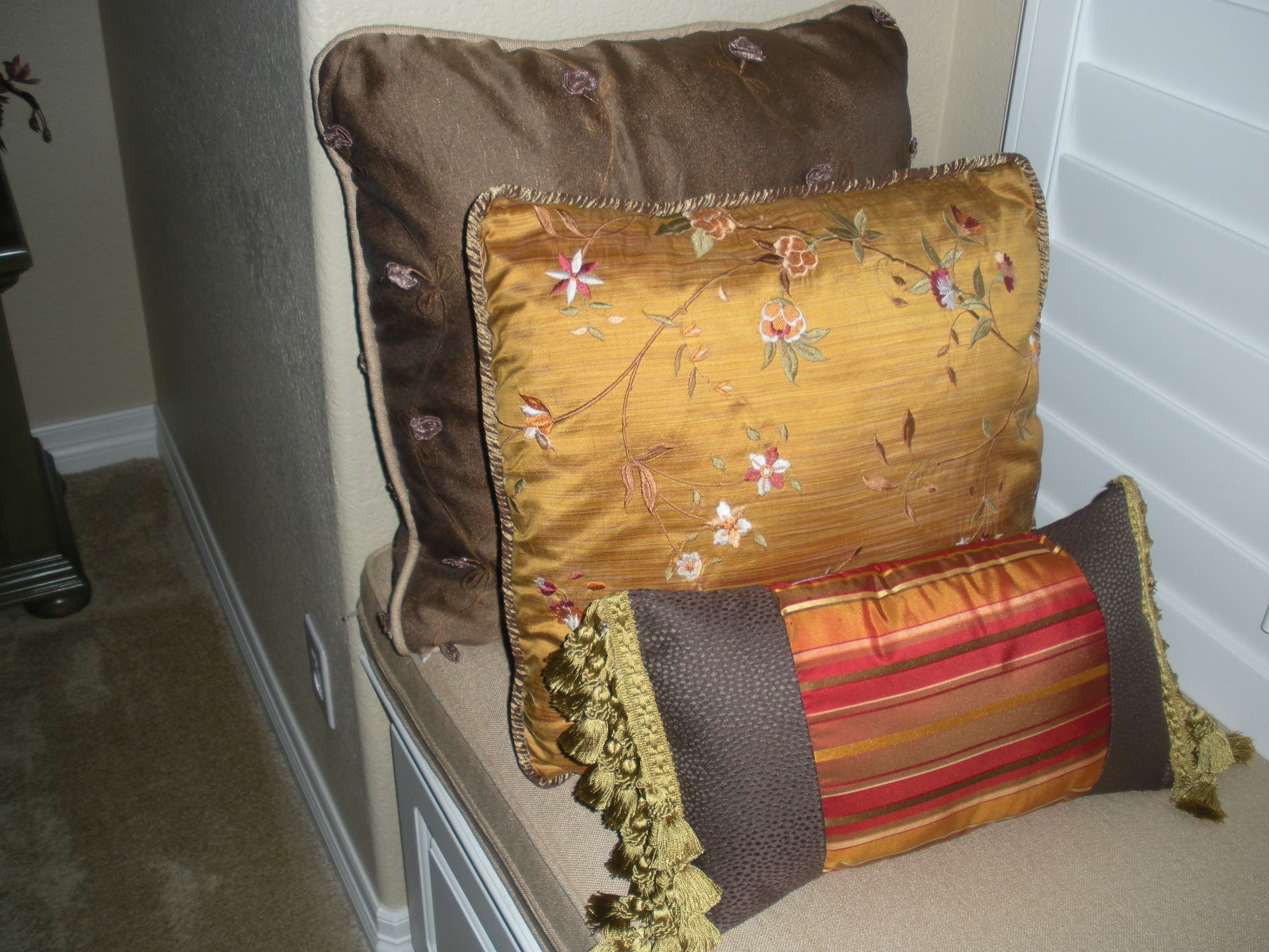 Ideas for decorative custom pillow covers